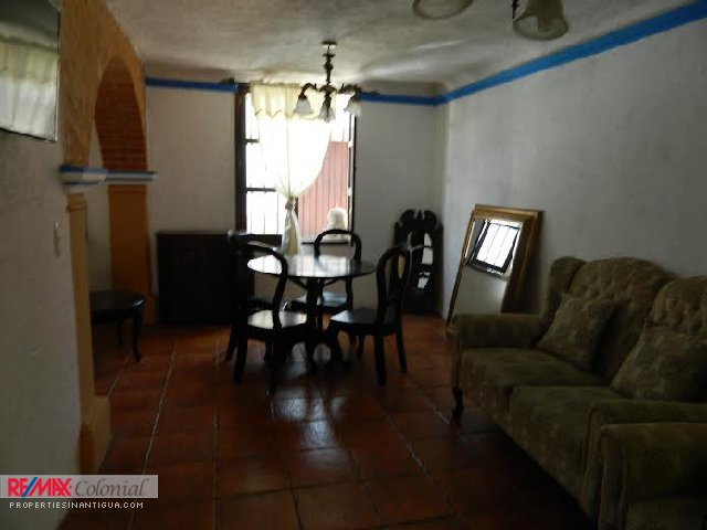2145 APARTMENT FOR RENT IN CENTRAL ANTIGUA ($75 Per Night) (SEMI FURNISHED)