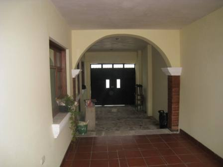 2164 APARTMENT IN CENTRAL ANTIGUA