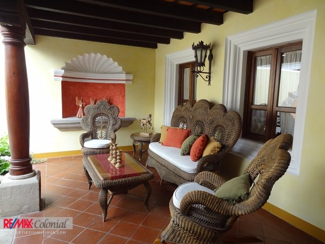 2262 HOUSE FOR RENT IN CENTRAL ANTIGUA (FURNISHED)