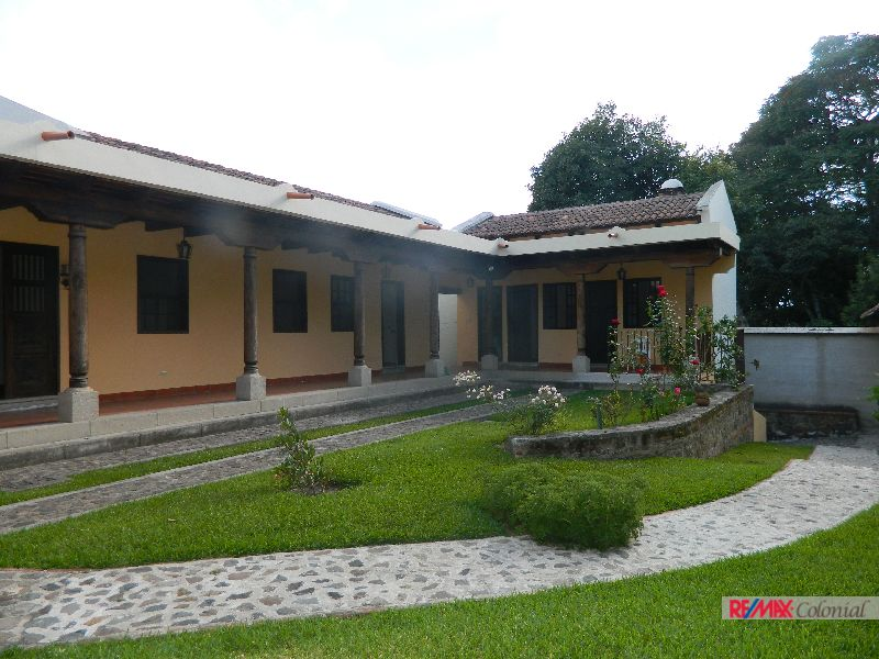 2186 HOME FOR RENT IN ANTIGUA GUATEMALA