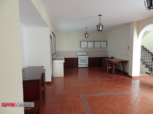 3277 HOUSE FOR RENT IN CENTRAL ANTIGUA (Unfurnished) (Jb)