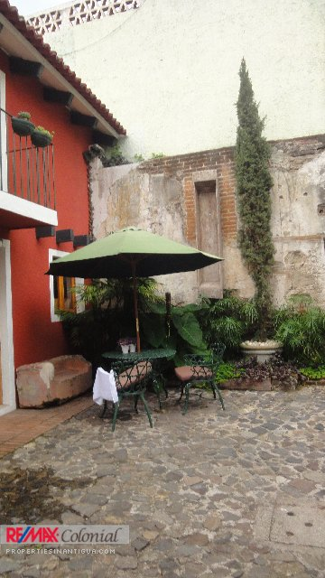 4151 NICE 2 BEDROOMS APARTAMENT IN THE CENTER OF ANTIGUA GUATEMALA. (Furnished)