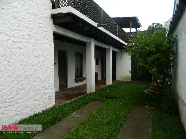4204 3 BEDROOMS HOUSE IN A GATED COMMUNITY, IN CIUDAD VIEJA