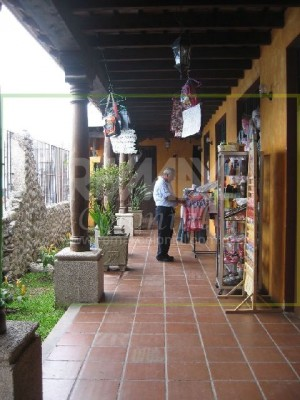 3108 LOCAL COMMERCIAL  FOR RENT IN ANTIGUA GUATEMALA (16M2)