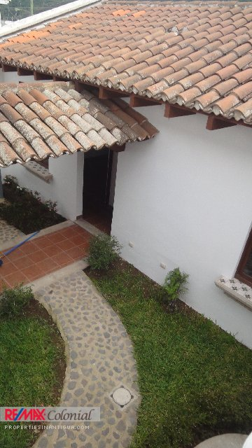 4159NICE HOUSE FOR RENT IN JOCOTENANGO