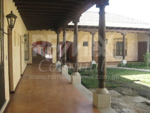 2871 COMMERCIAL SPACES / OFFICE FOR RENT IN CENTRAL ANTIGUA