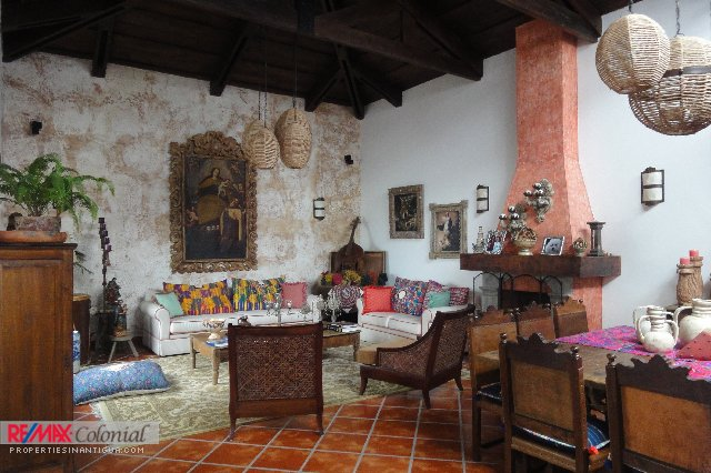 4055 HOME FOR RENT IN ANTIGUA GUATEMALA LONG TERM