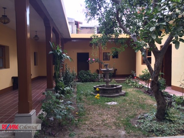 4082 HOUSE FOR RENT IN CENTER ANTIGUA GUATEMALA