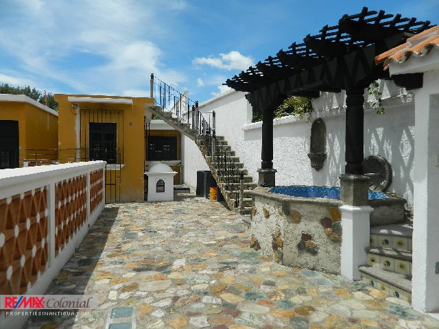 3949 HOUSE FOR RENT IN EL PANORAMA (CLOSE TO CENTRAL ANTIGUA)