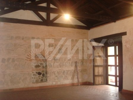 2148 COMMERCIAL SPACE FOR RENT IN ANTIGUA (30.91 mts2)