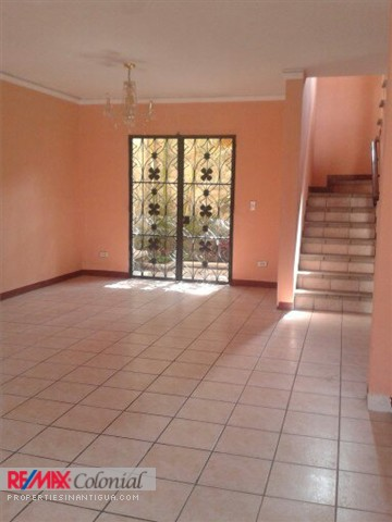 3589 HOUSE FOR RENT WITHOUT FURNITURE IN JOCOTENANGO, A FEW MINUTES FROM ANTIGUA (AS)