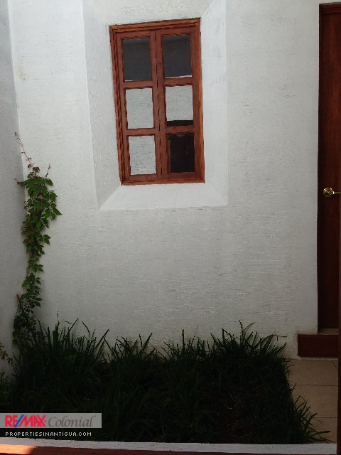 3747 HOUSE FOR RENT IN JOCOTENANGO (C)