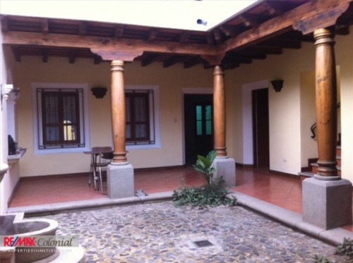 3295 HOUSE FOR RENT CLOSE TO CENTRAL ANTIGUA, EL CALVARIO AREA