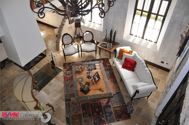 3691  BEAUTIFUL AND LUXURIOUS HOUSE FOR RENT IN LA ANTIGUA G.
