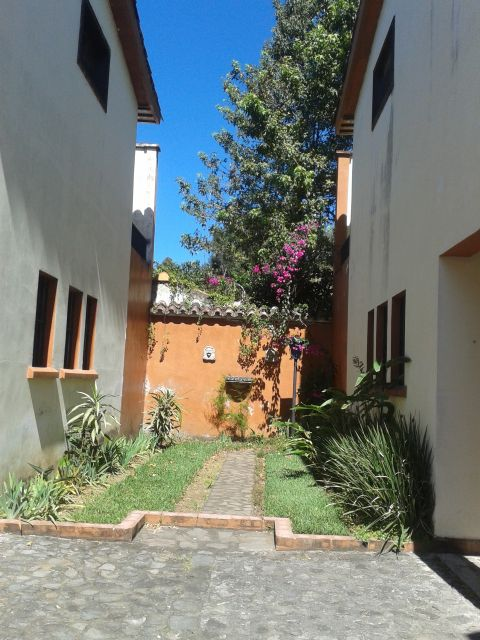 4043 APARTMENT FOR RENT IN ANTIGUA GUATEMALA (UNFURNISHED)