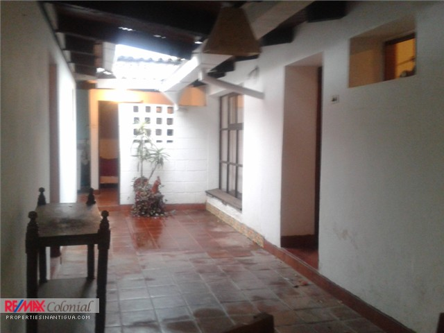 3498 COZY HOME FOR RENT  IN CENTRAL ANTIGUA
