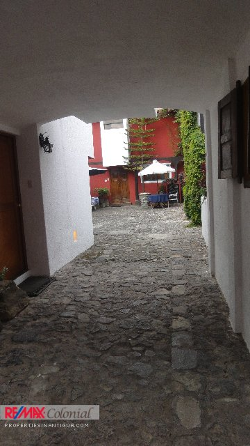 4149 CHARMING APARTMENT FOR RENT IN THE CENTER OF ANTIGUA GUATEMALA. (CHECK AVAILABILITY)