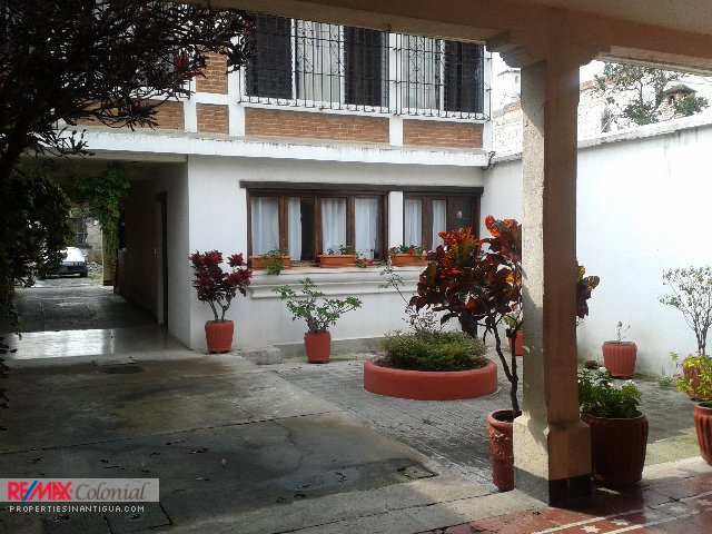 3763 NICE APARTMENT FOR RENT CLOSE TO ESCUELA DE CRISTO CHURCH (Furnished)