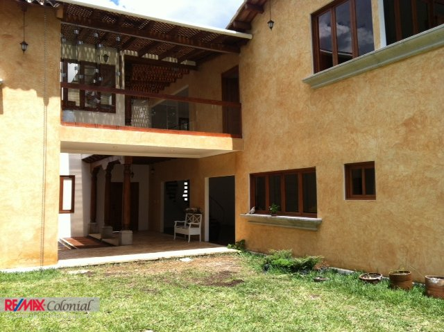 3566 GREAT INVESTMENT.  HOUSE FOR SALE IN SAN PEDRO EL ALTO