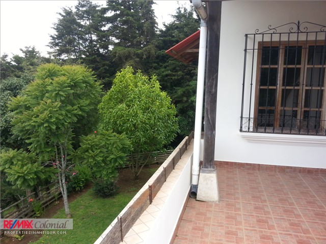 3740 COUNTRY HOUSE IN SANTA LUCIA MILPAS ALTAS.
