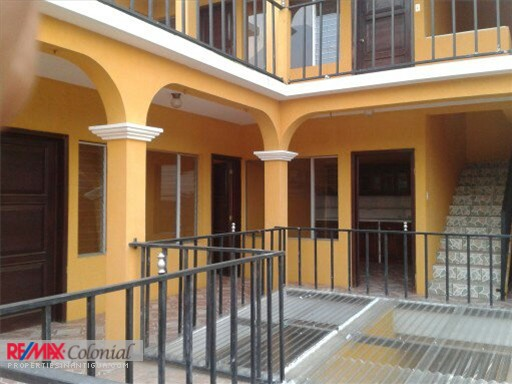 3579 3 LEVEL HOUSE IN SAN JUAN ALOTENANGO, IDEALLY FOR OFFICES AND BANKS