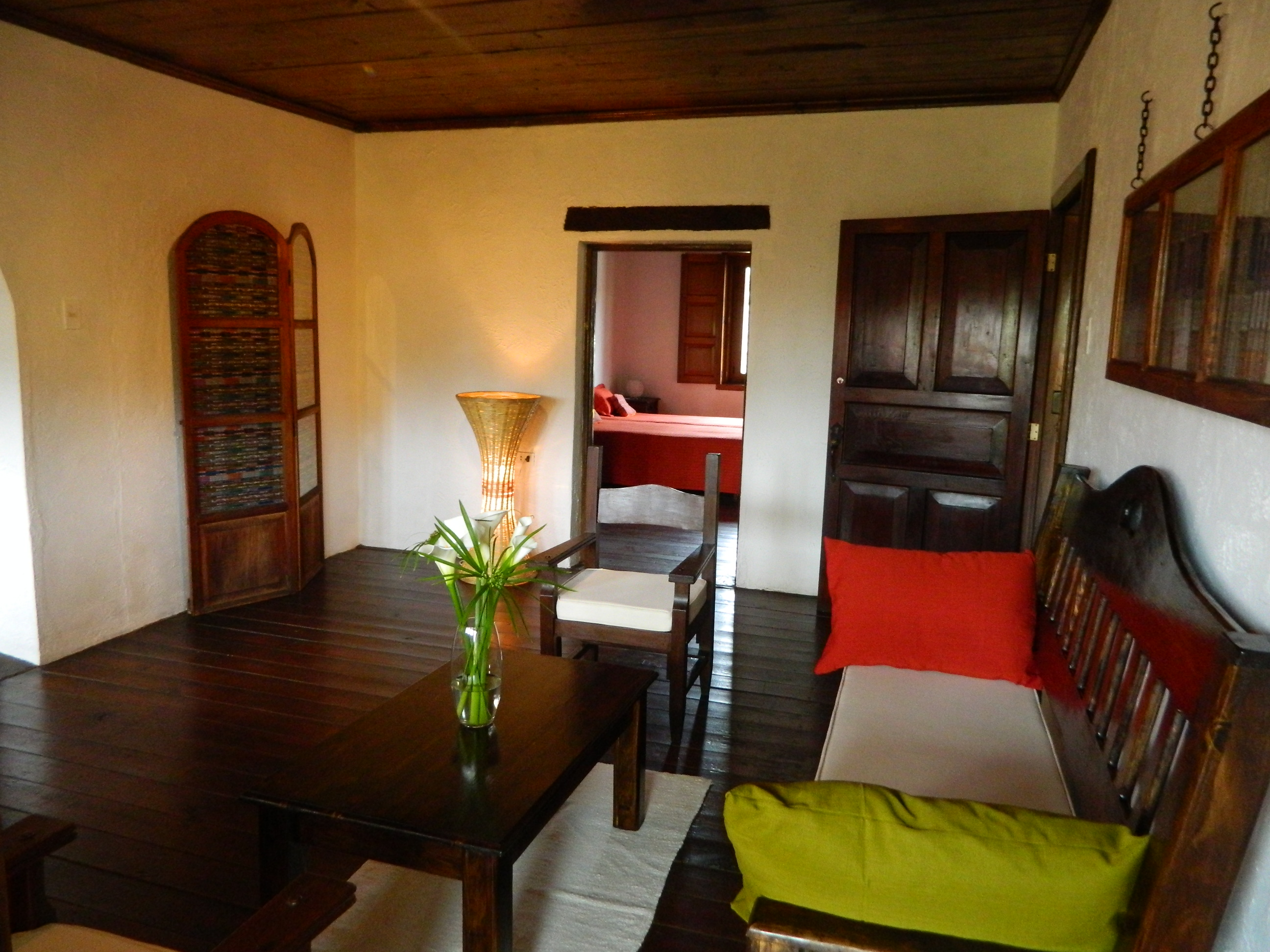 3714 PARISIAN TYPE APARTMENT FOR RENT IN CENTER ANTIGUA G. (Furnished) (Jb)