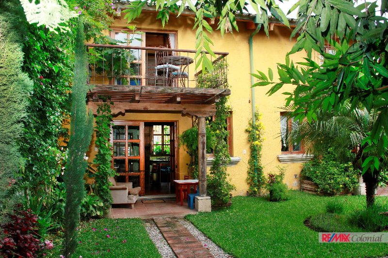 2021 BEAUTIFUL  APARTMENT IN ANTIGUA GUATEMALA