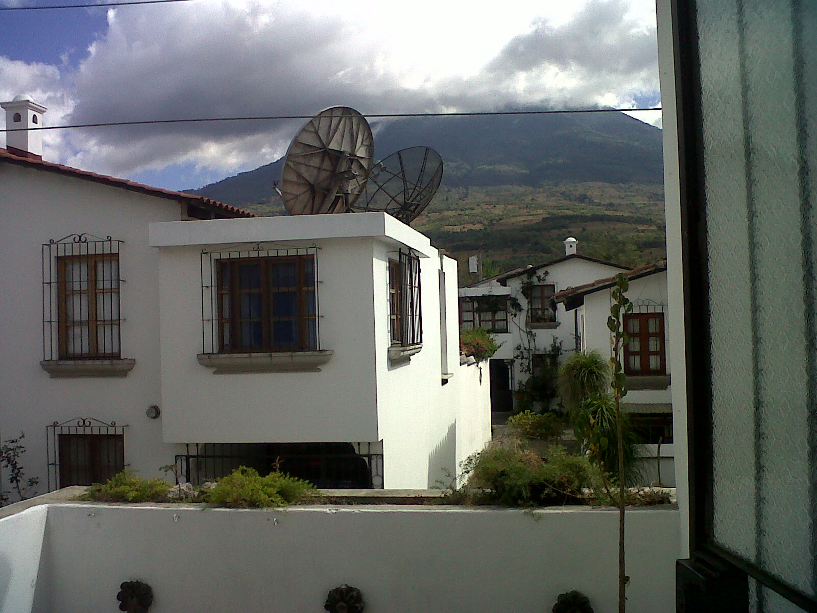 3219 NICE HOUSE FOR RENT IN CIUDAD VIEJA