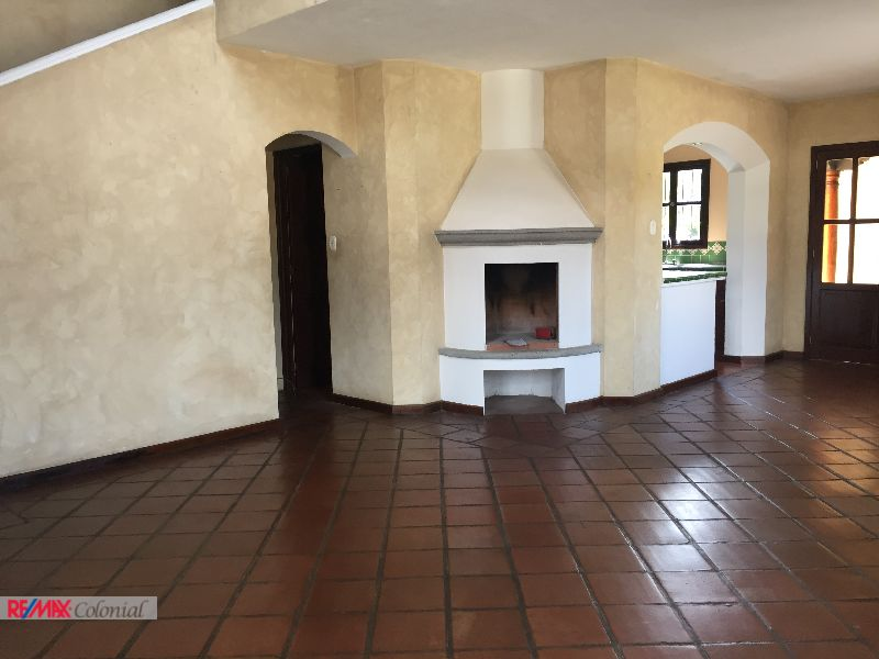 3241 NICE HOUSE FOR RENT IN PANORAMA, LA ANTIGUA GUATEMALA