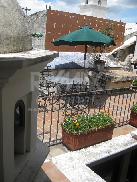 2423 HOUSE FOR RENT IN ANTIGUA GUATEMALA (LA MANSIÓN) (Furnished)