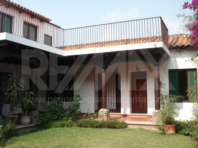 2113 HOUSE FOR RENT AND FOR SALE IN LA ANTIGUA GUATEMALA (EL PANORAMA)