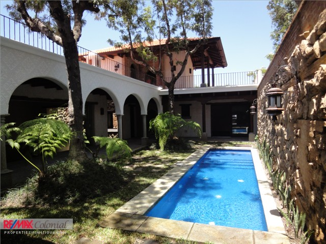 3200 HOUSE FOR SALE IN SAN JERONIMO