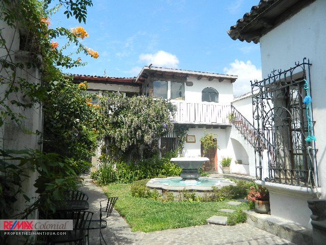 3851 COLONIAL HOME FOR RENT IN THE CENTER OF ANTIGUA GUATEMALA