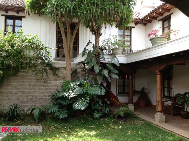 2195 VILLAS FOR RENT IN ANTIGUA GUATEMALA (Furnished)