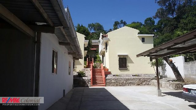 3948 HOUSE FOR RENT IN SAN FELIPE (CLOSE TO ANTIGUA GUATEMALA)