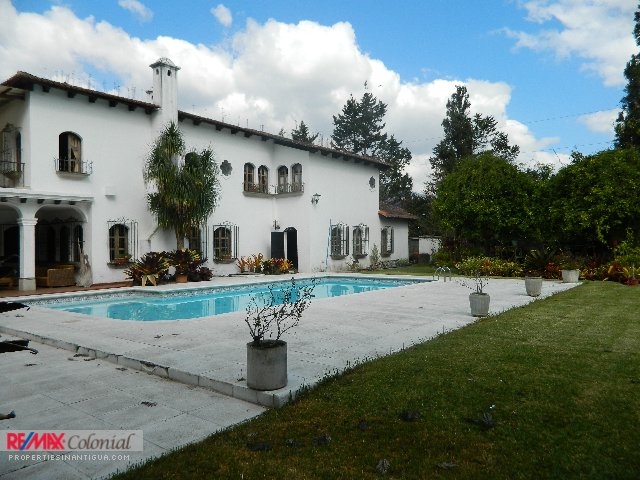 3833 HUGE HOUSE FOR RENT IN JARDINES DE ANTIGUA, PANORAMA (FURNISHED)