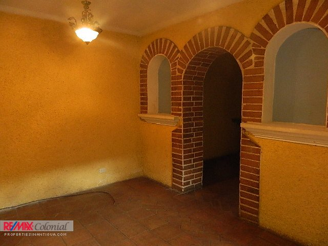 4061 A CORNER COLONIAL HOME, IN JOCOTENANGO