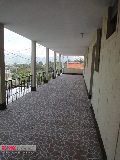 3811 AMPLE HOUSE FOR RENT IN CIUDAD VIEJA