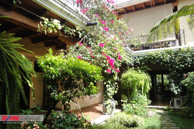 4035 BEAUTIFUL HOUSE FOR RENT IN ANTIGUA GUATEMALA