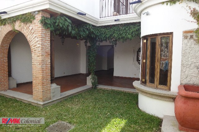 3961 HOME FOR RENT IN EL CALVARIO AREA
