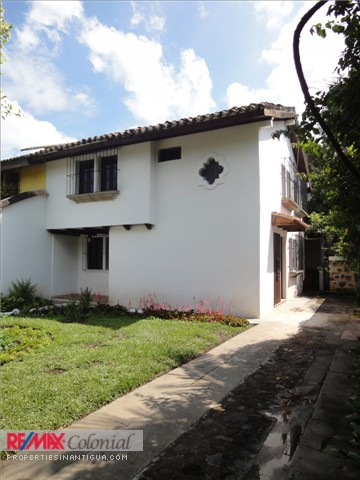 3408 HOUSE FOR RENT IN PANORAMA, ANTIGUA GUATEMALA