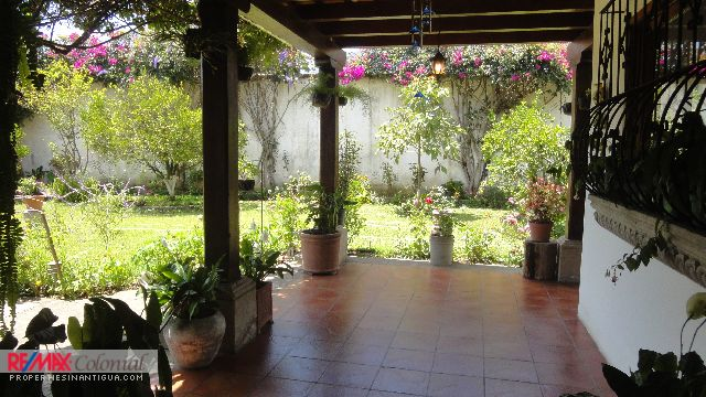 4185 HOUSE FOR SALE IN PANORAMA, ANTIGUA GUATEMALA