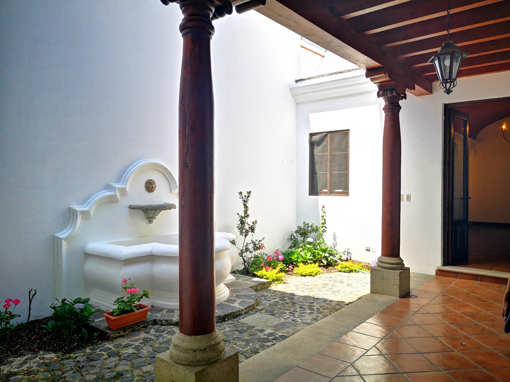 3880 NICE APARTAMENT FOR RENT A FEW BLOCKS FROM THE CENTRAL PARK – ANTIGUA GUATEMALA