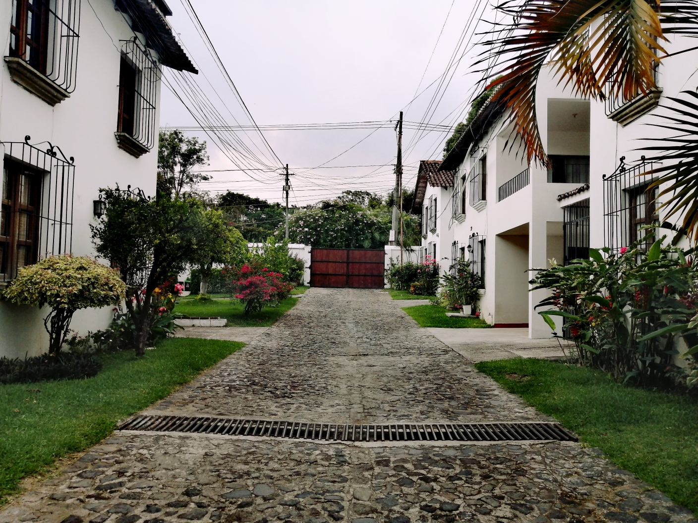4180 COZY  HOUSE FOR RENT IN ANTIGUA GUATEMALA