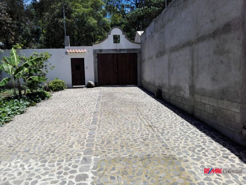 2405  LOT FOR SALE CLOSE TO ANTIGUA GUATEMALA 10 X 20 Mts