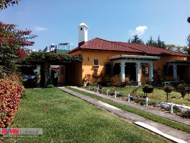 4340 HOUSE FOR RENT IN JARDINES DE ANTIGUA