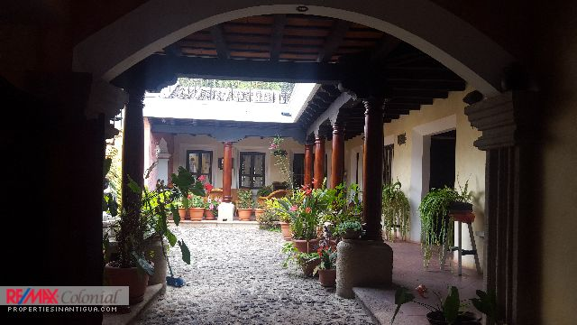 4281 BEAUTIFUL HOUSE FOR RENT IN ANTIGUA GUATEMALA (Furnished) Available April 2021