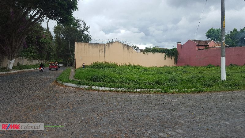 4363 GOOD PIECE OF LAND IN ANTIGUA GUATEMALA