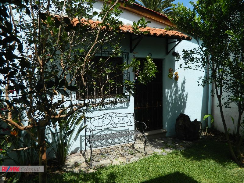 4369 STUDIO APARTMENT FOR RENT CLOSE TO CENTRAL PARK OF ANTIGUA