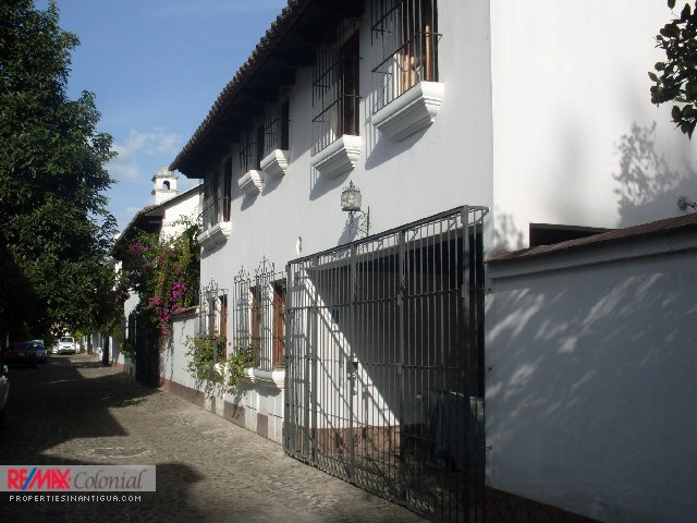 4373 HOUSE FOR RENT IN ANTIGUA GUATEMALA